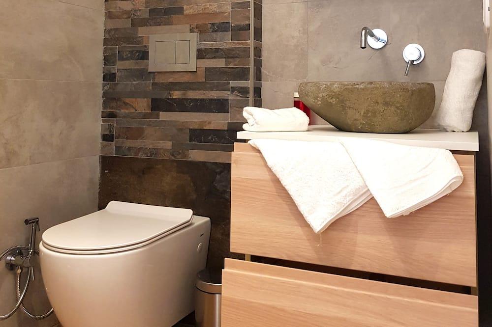 家庭公寓, 多張床, 露台, 部分海景 (Alessandro) - 浴室