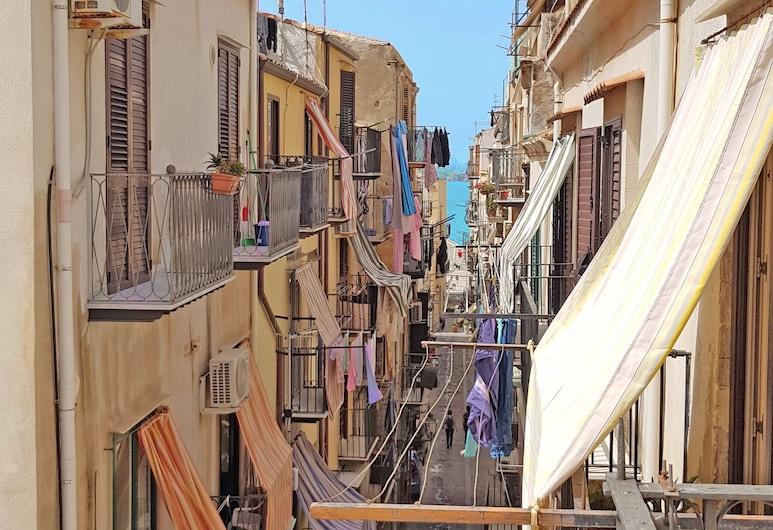 Modular House Cefalù, Cefalù, Apartamento familiar, Varias camas, balcón, vistas parciales al mar (Alessandro), Terraza o patio