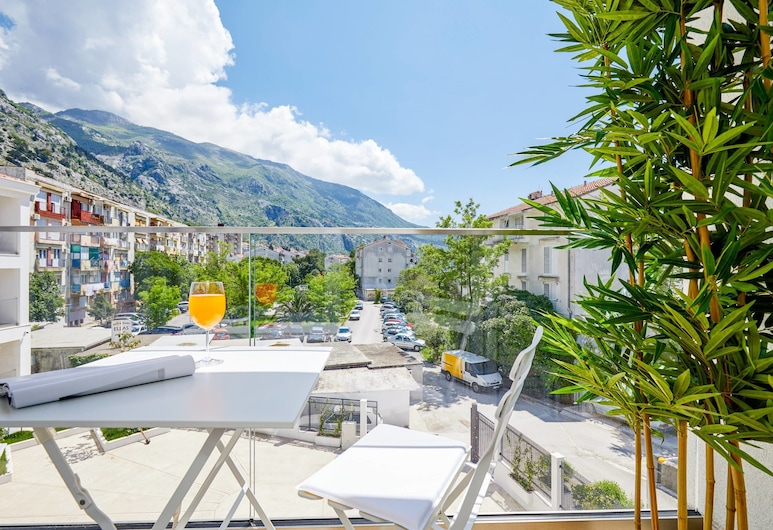 Maison W, Kotor, Departamento Deluxe, vista al jardín, Terraza o patio
