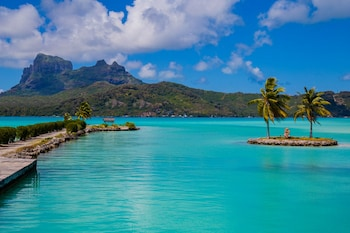 Фото Bora Bora Holiday's Lodge and Villa у місті Бора-Бора