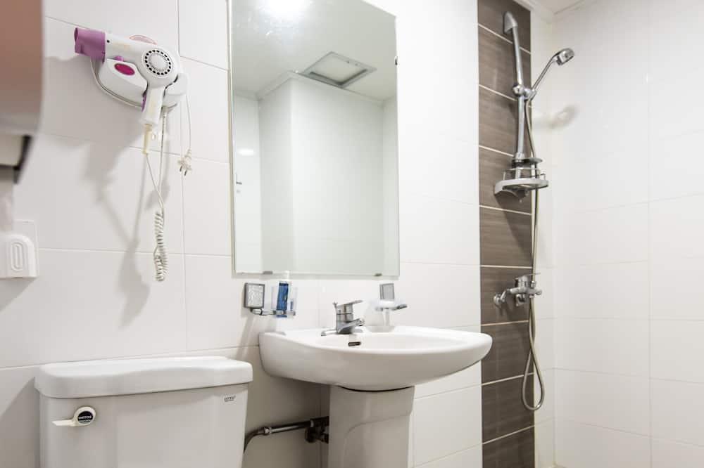 Room (Ondol, Group) - Bathroom