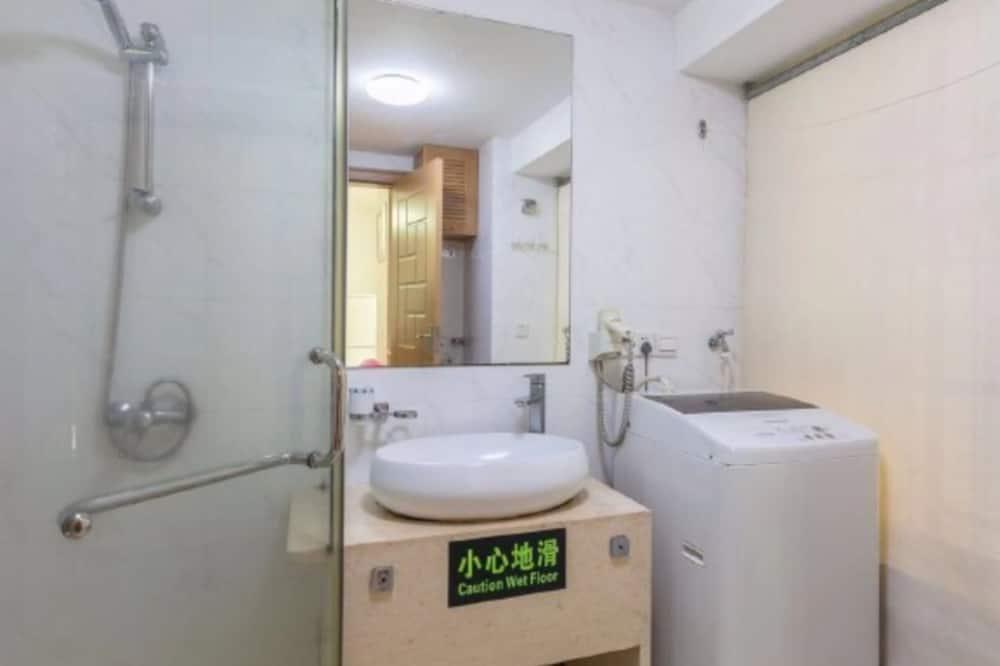 Elite Apartment, 2 Bedrooms, Sea View - Bathroom