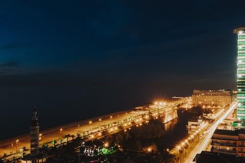 藍星巴圖米飯店/