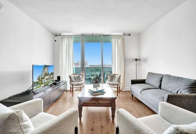 Lovely 2br/2 Bath Hollywood Beach!!!, Hollywood, City Daire (2 Bedrooms), Oturma Alanı