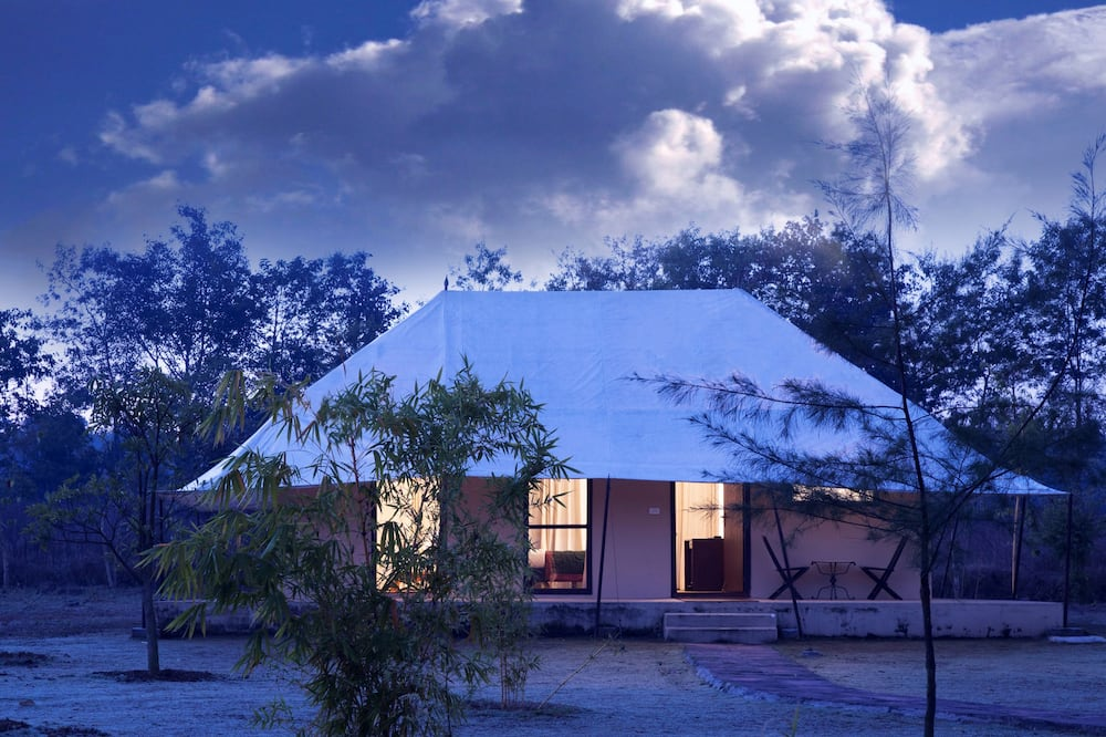 Luxury Tent, 1 Double Bed, Pool View - Guest Room