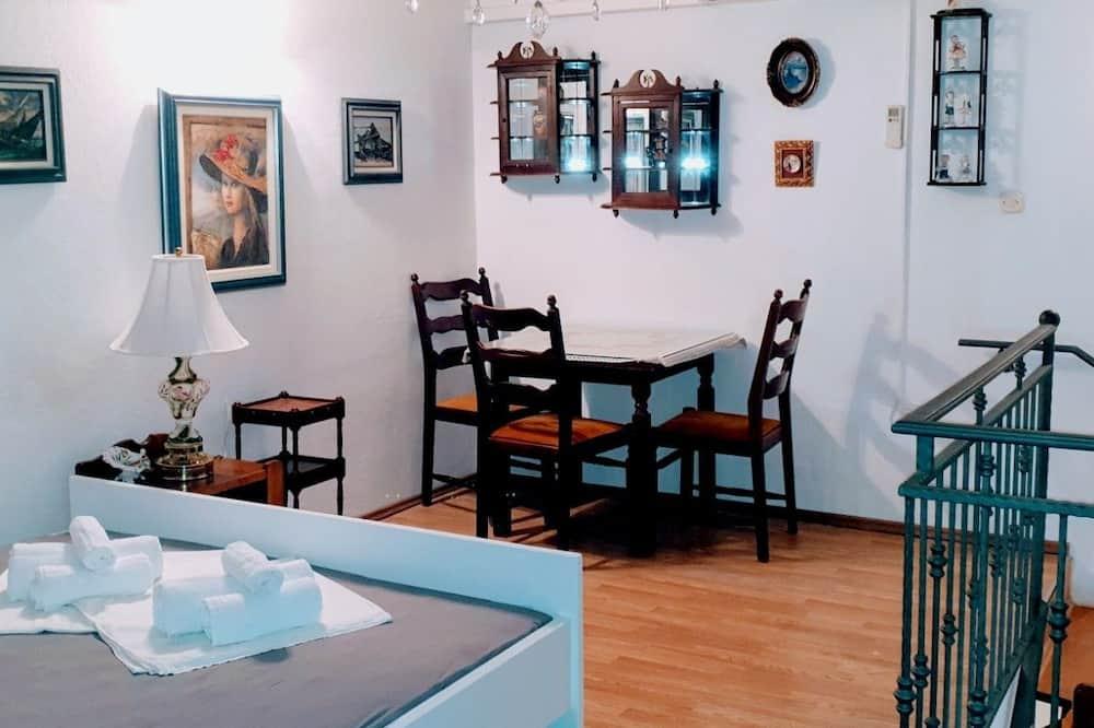 Apartment (Split Level) - Wohnbereich