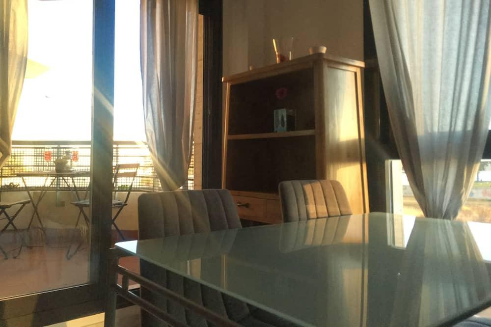 Familjelägenhet - 2 sovrum - icke-rökare - 2 badrum - Vardagsrum