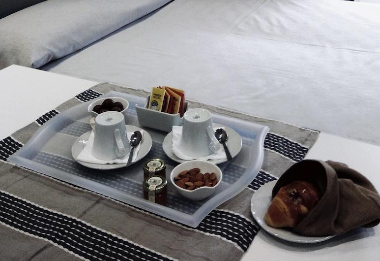 B&B Napoli Culture, Napoli, Firemannsrom – family, 1 queensize-seng med sovesofa, utsikt mot byen, Gjesterom