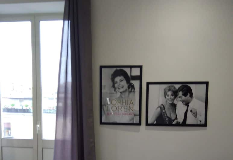B&B Napoli Culture, Νάπολη, Luxury Τρίκλινο Δωμάτιο, Περισσότερα από 1 Κρεβάτια, Θέα στην Πόλη, Δωμάτιο επισκεπτών