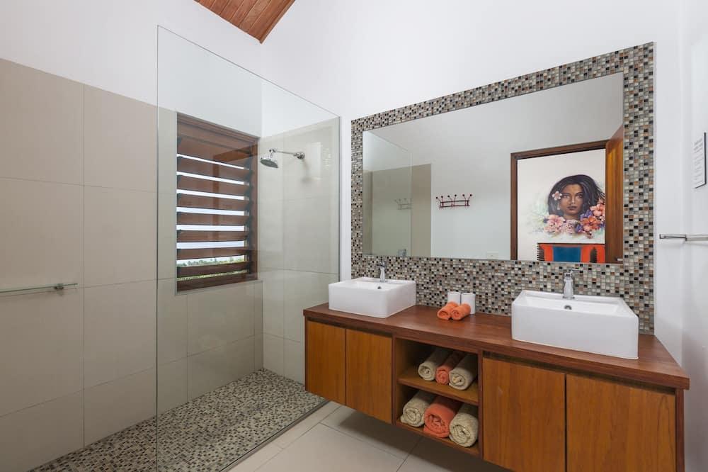 Luxus ház, kilátással a tengerpartra - Fürdőszoba