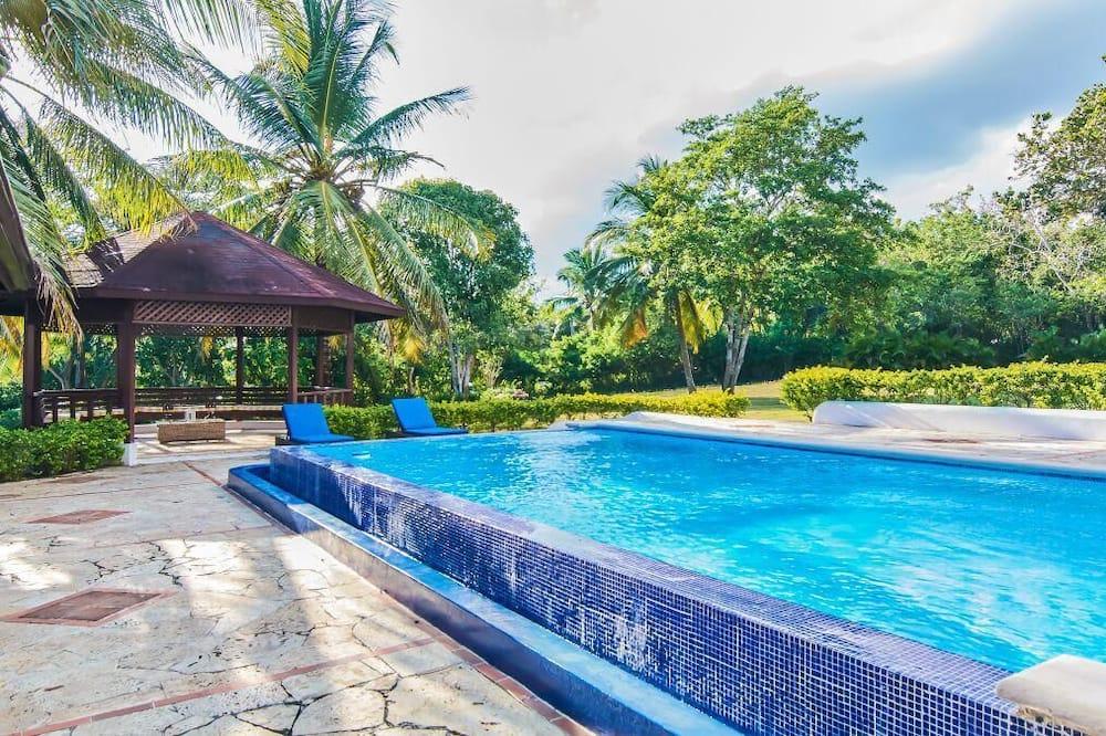 Exklusiv villa - Utsikt från gästrum