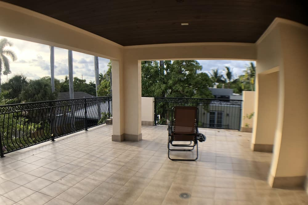 Huge House close to Everything  821, Fort Lauderdale