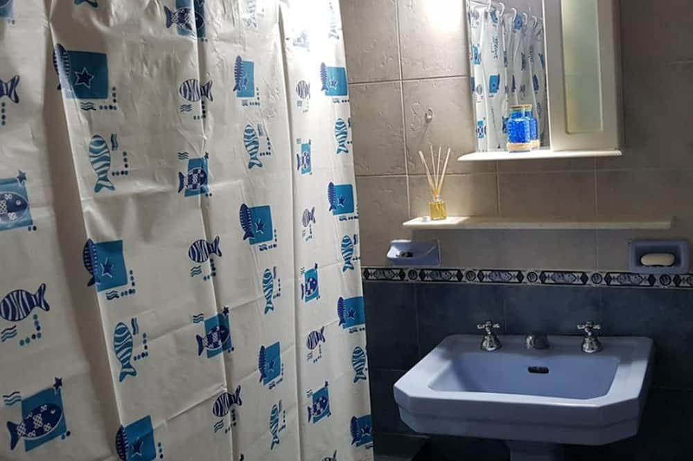 Habitación doble, 1 cama Queen size, baño privado - Baño