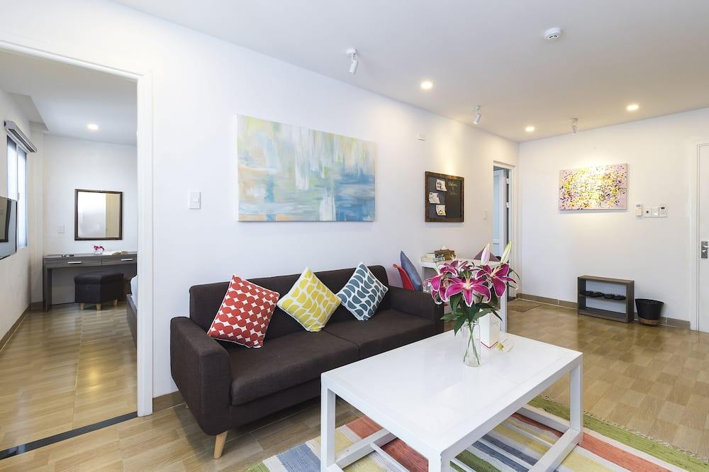 Deluxe Apartment, 1 Queen Bed - Living Area