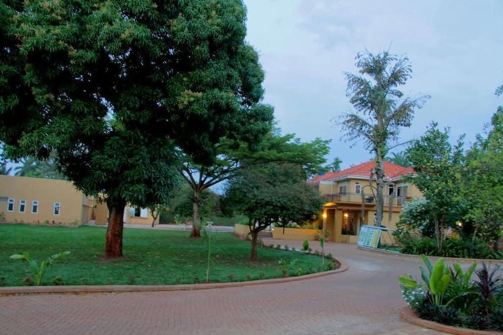 Standard Single Room, Garden View - Garden View
