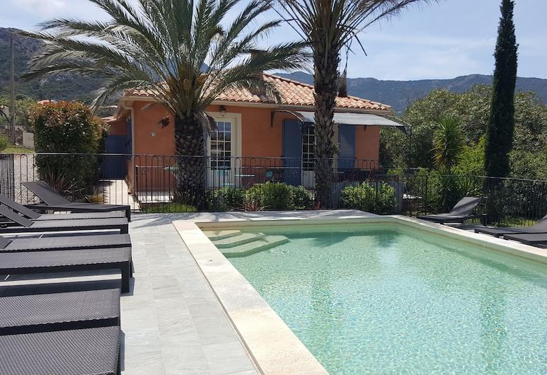 春天別墅飯店 - 別墅 8 人 & 公寓 5 人, 加萊里亞, 游泳池