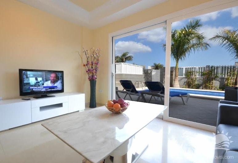 Villa Lovisi 7 - 2, San Bartolome de Tirajana, Villa, 4 Bedrooms, Private Pool, Living Area