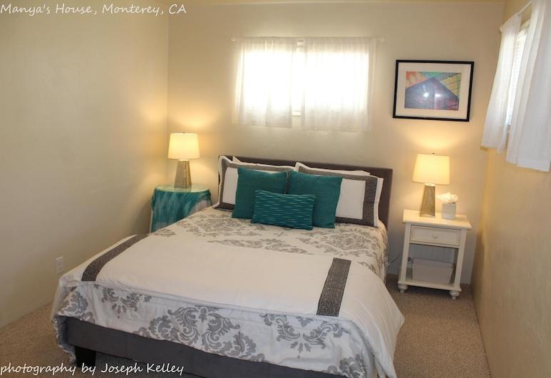 Manyas House 30 Night Minimum, Monterey, Habitación