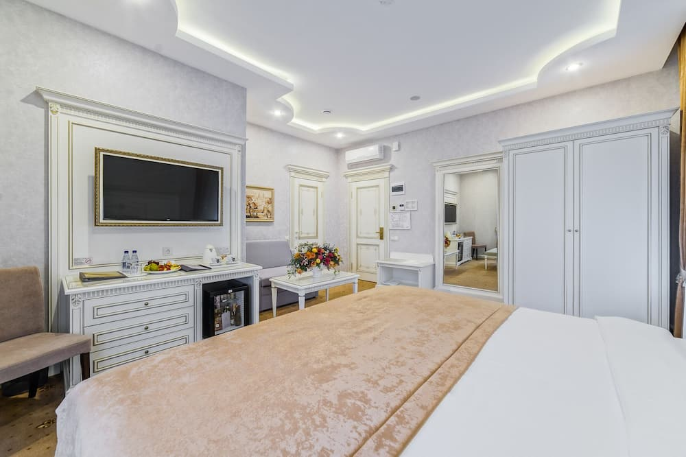 Family Room - Bilik Tamu