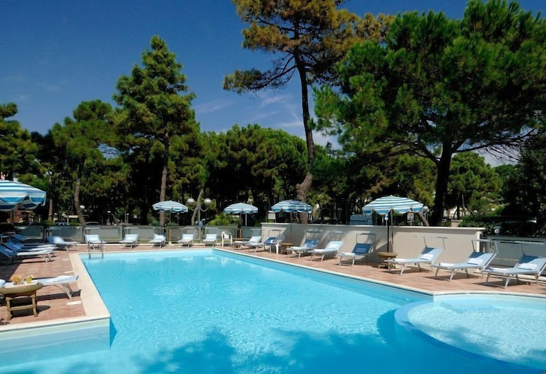Hotel Imperiale , Cervia, Outdoor Pool