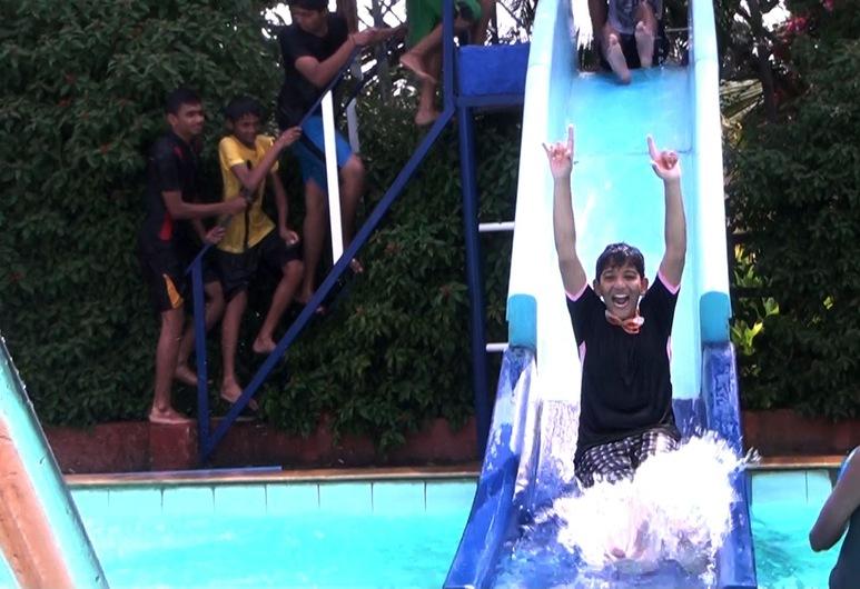 柯爾吉叢林兒童度假村, 塔里凱雷, 滑水梯