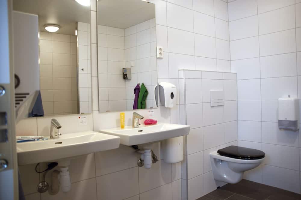 Cabin, 2 Bedrooms (New) - Shared bathroom
