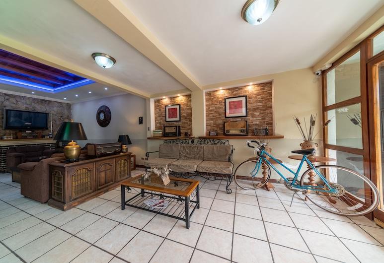 Hotel Canada, Quetzaltenango, Lobby Sitting Area