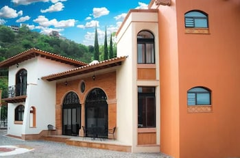Picture of Resort y Balneario Los Angeles in Taxco