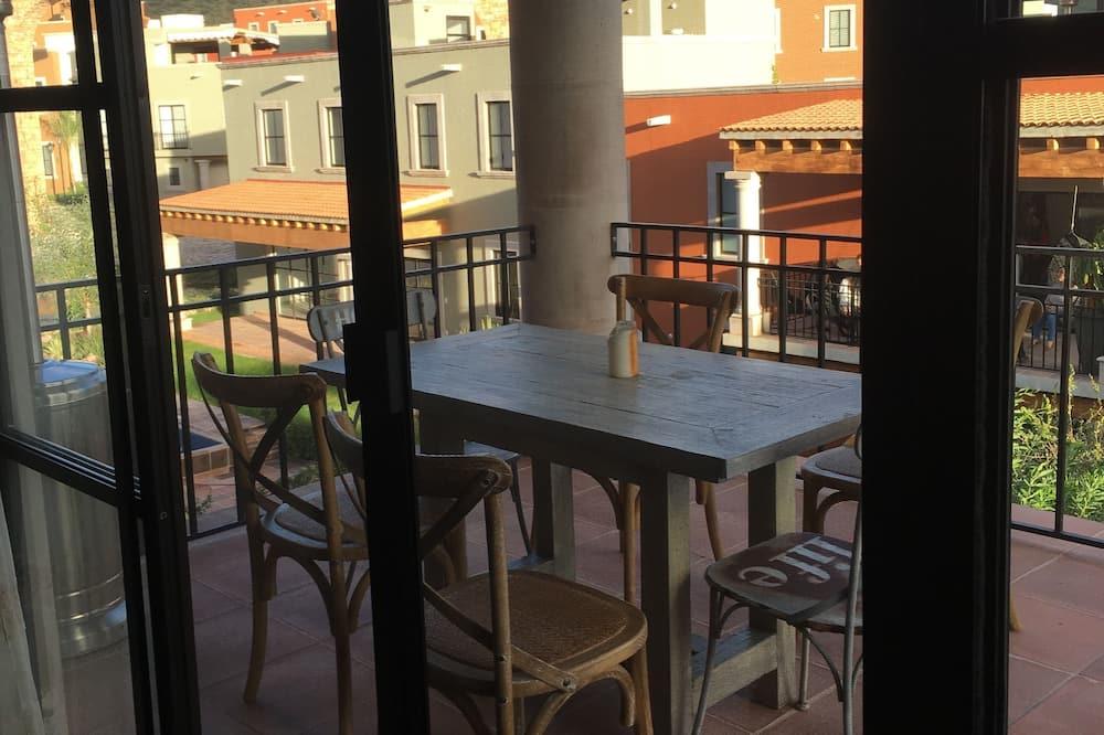Ekskluzivni apartman, Više kreveta, pogled na vrt - Obroci u sobi