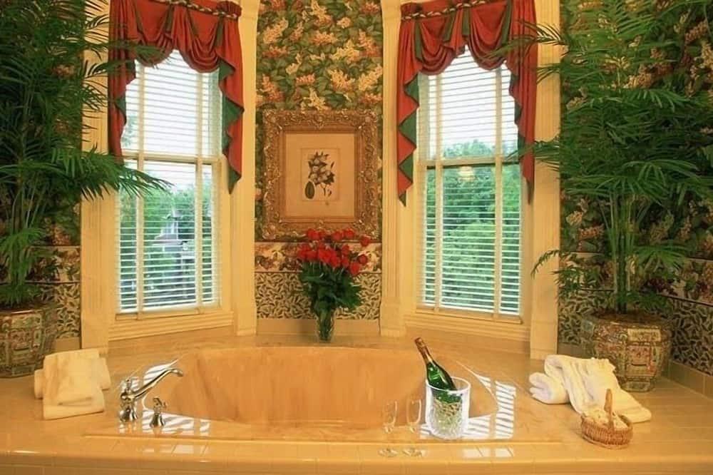 Apartament dla nowożeńców typu Suite, Łóżko king - Łazienka