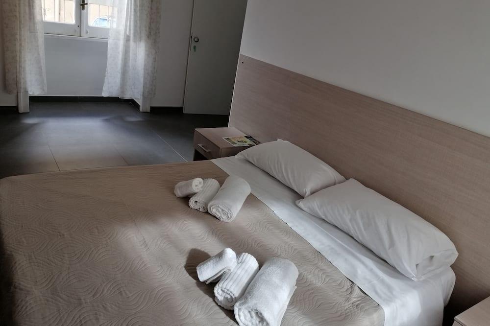 Quadruple Room (Apollo) - Guest Room