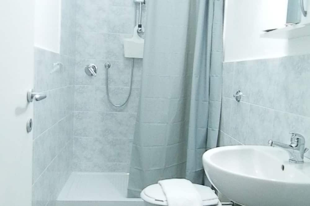 Quadruple Room (Apollo) - Bathroom