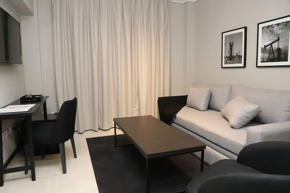 Suite, City View - Living Room