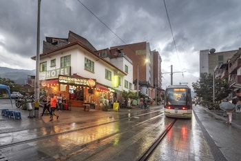 Medellin bölgesindeki Ayenda 1231 Paradise Center resmi