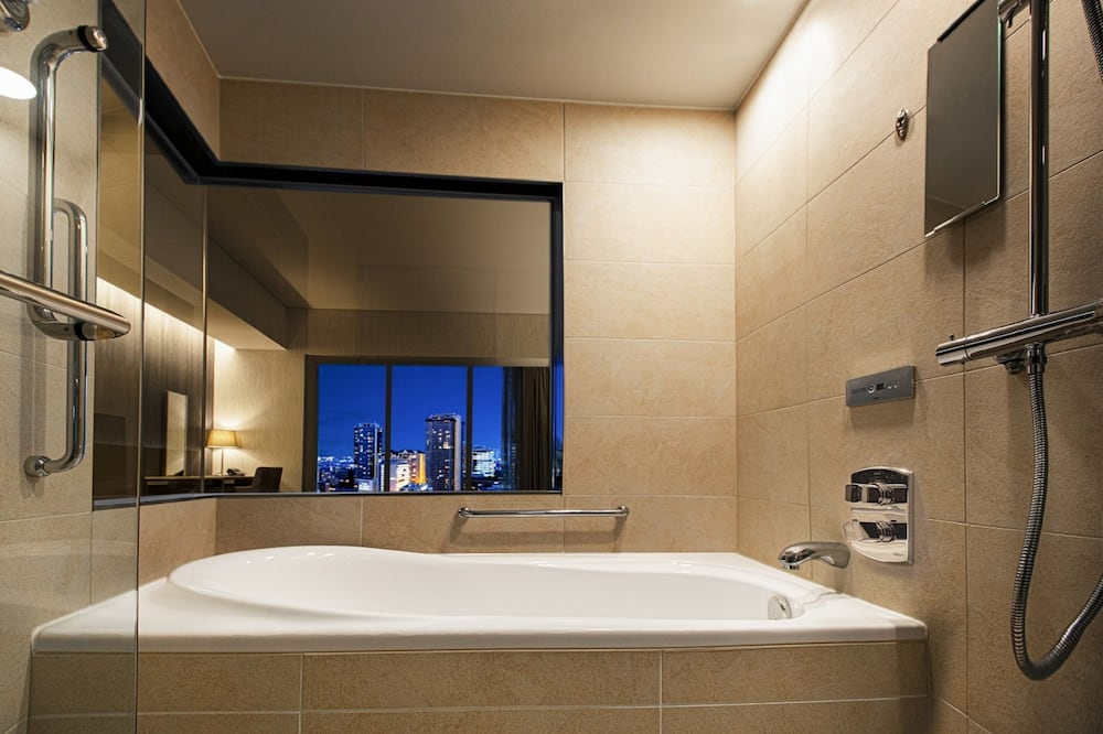 Kamar Double Premium, smoking, pemandangan kota - Kamar mandi