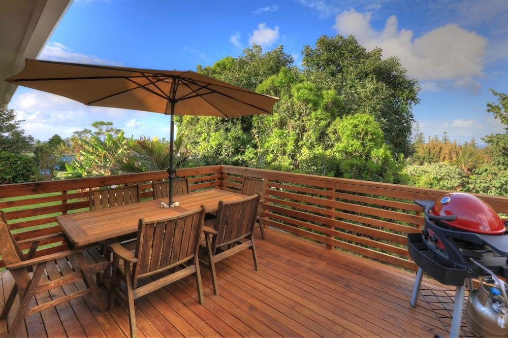 Family House, Ocean View - Balcony