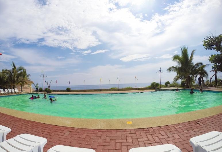 Pangil Beach Resort, Currimao, Piscina Exterior