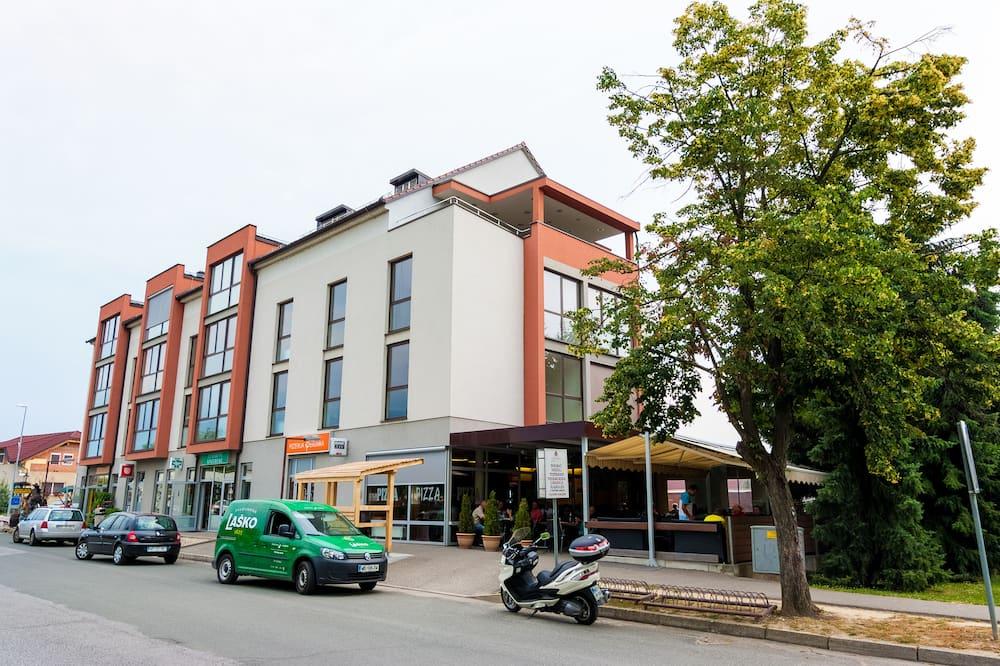 Apartments Perunika