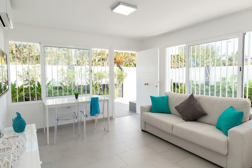Dom rodzinny, 2 sypialnie, prywatny basen - Salon