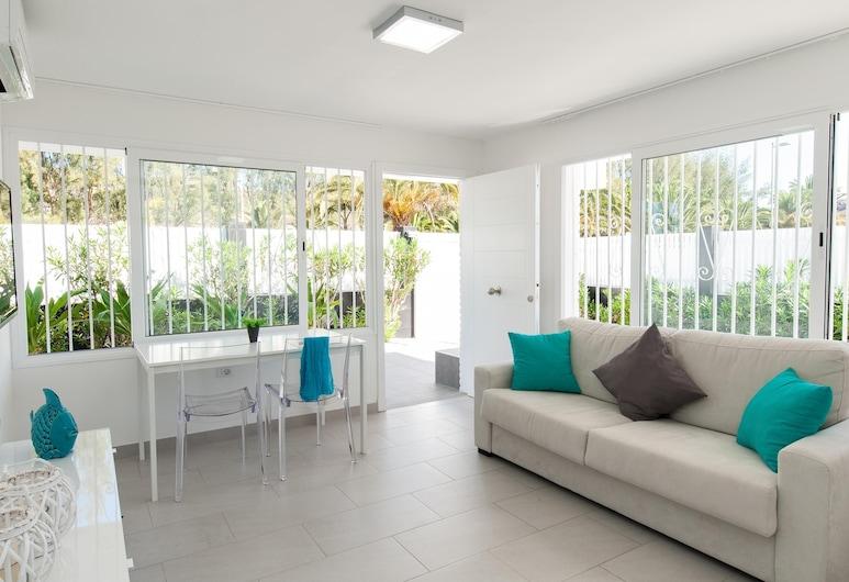 Beach House With Private Pool in San Agustín - ET1, San Bartolome de Tirajana, Family House, 2 Bedrooms, Private Pool, Living Room