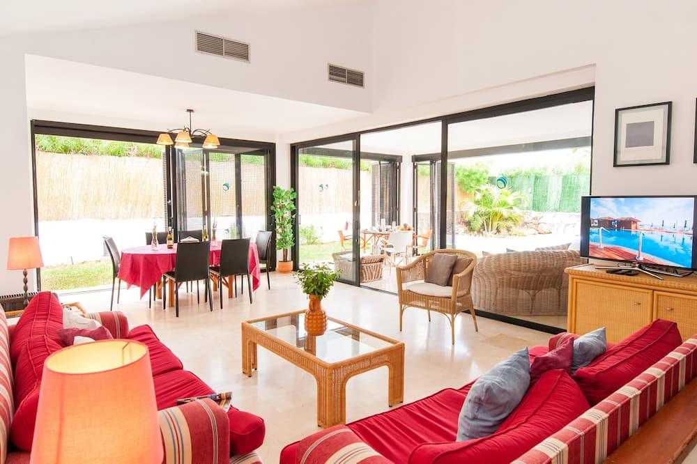 Vila typu Superior (3 Bedrooms) - Obývačka