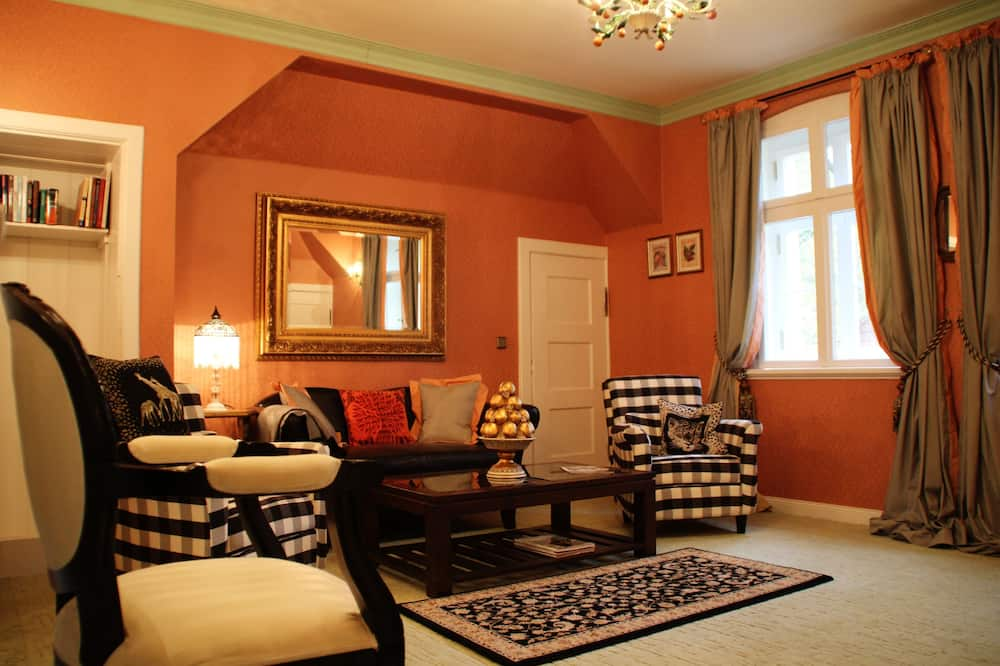 Suite (Lady Hamilton) - Living Room