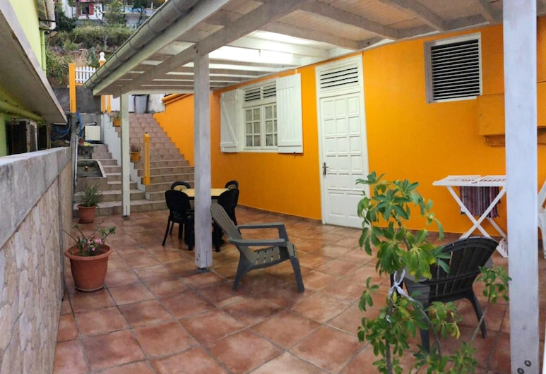 House With 2 Bedrooms in Terre de Haut, With Wonderful sea View, Enclosed Garden and Wifi - 100 m From the Beach, Terre-de-Haut