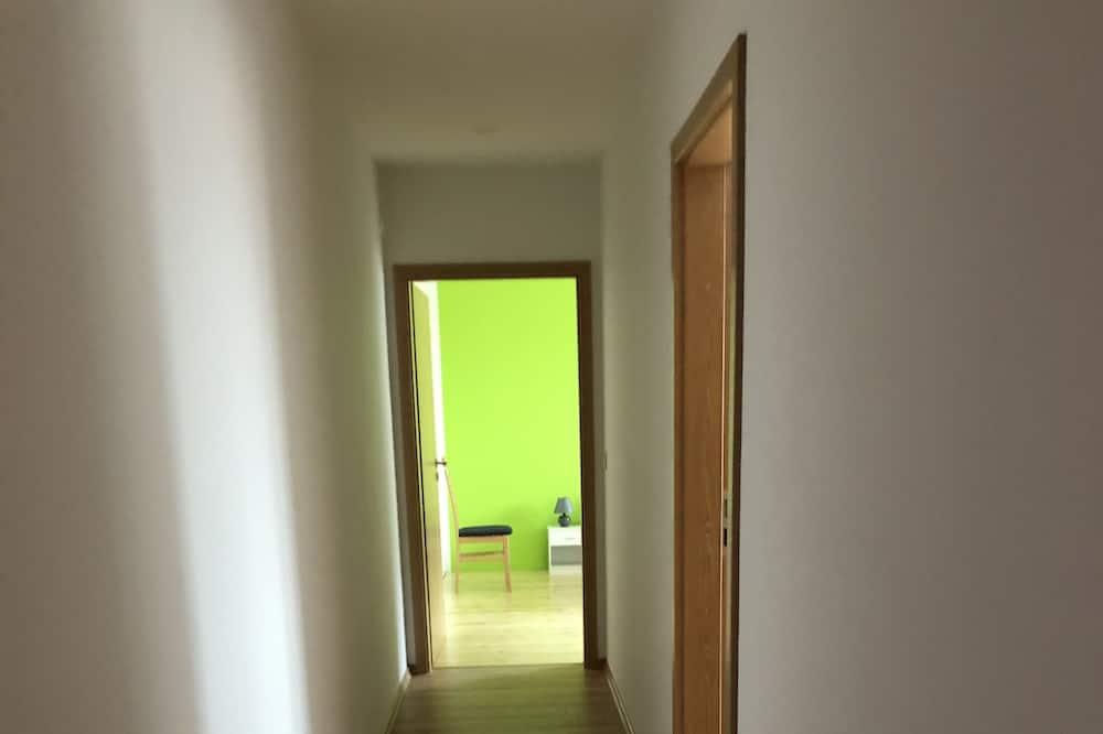 Condominio básico, 2 habitaciones - Sala de estar