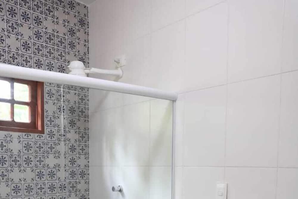 Premier Apartment - Bathroom