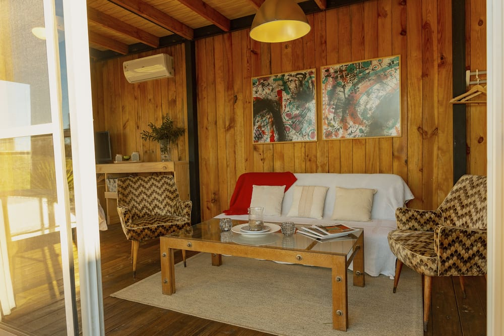 Standard Loft - Living Room