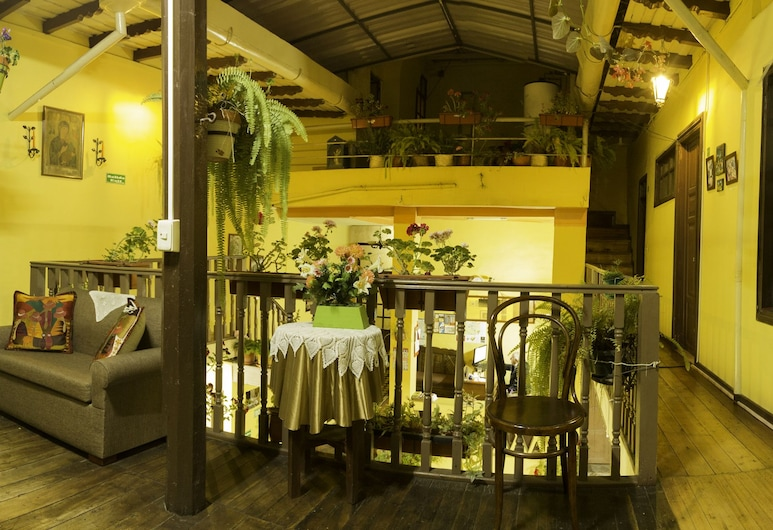 La Querencia, Cuenca, Zona de estar