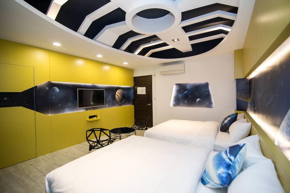 City Quadruple Room - Guest Room