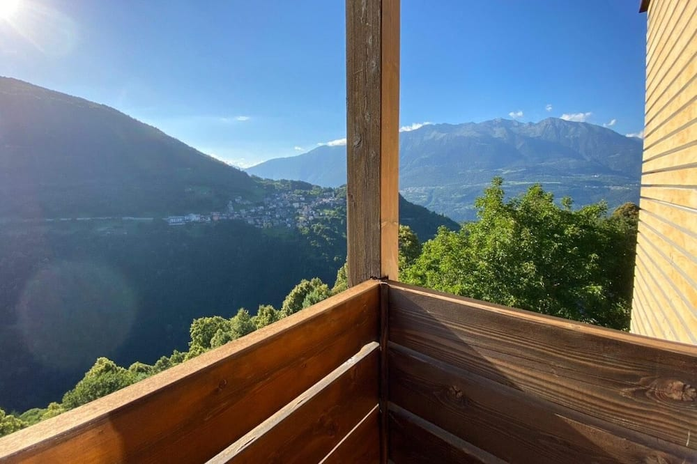 Habitación panorámica, Varias camas, vista a la montaña - Vista al balcón