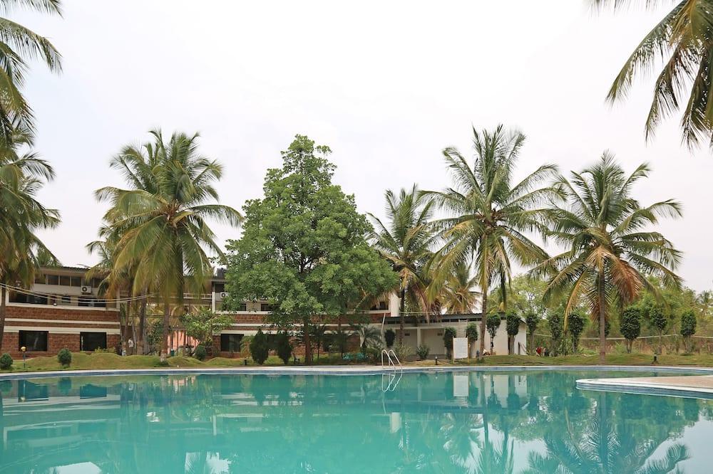 OYO 35630 Country Club Coconut Grove